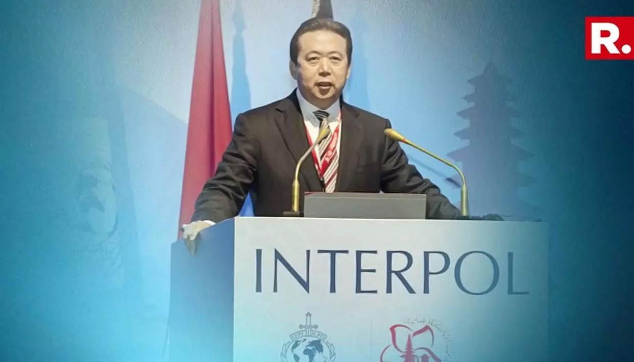 Mulher de ex-director da Interpol desaparecido na China revela ameaças