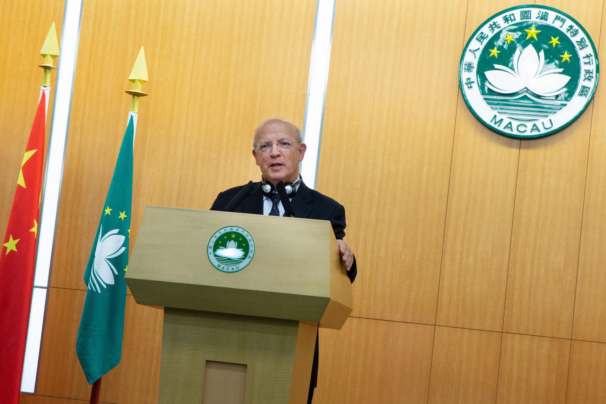 MNE | Augusto Santos Silva confunde Lei Básica com Declaração Conjunta
