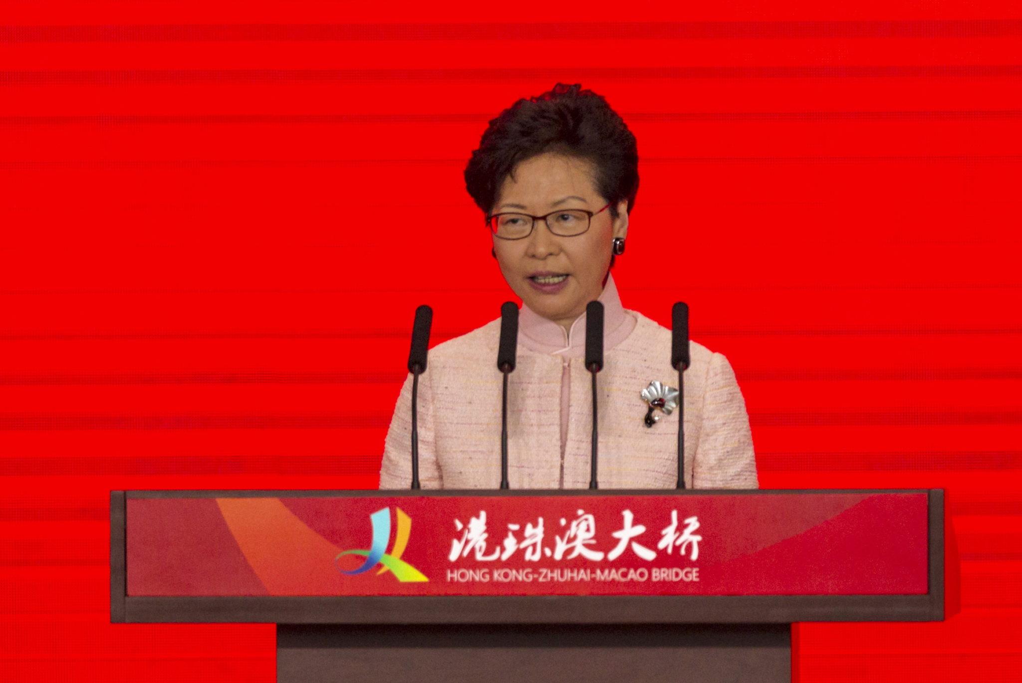 PM da Malásia diz que Chefe do Executivo de Hong Kong deve renunciar