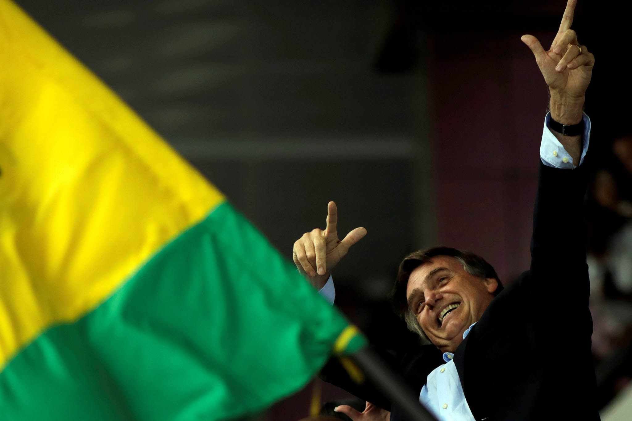 Brasil/Eleições | Bolsonaro diz que limitará privatizações na energia e ações da Eletrobras caem