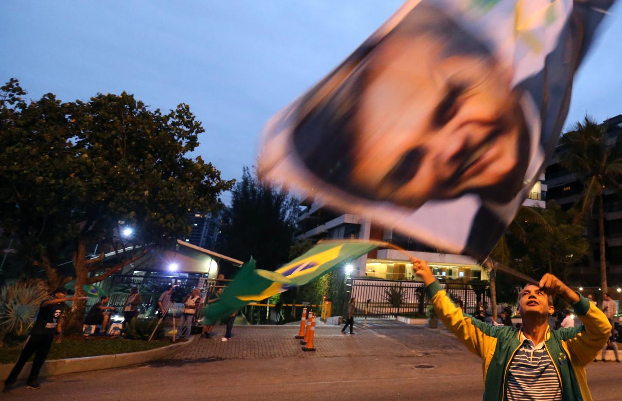 Brasil/Eleições | Frases da campanha de Bolsonaro entoadas nos festejos da vitória em Brasília
