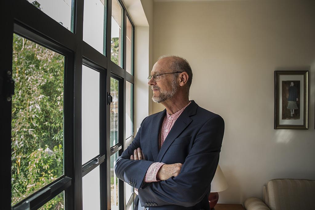 Livro junta 75 escritores lusófonos sobre a pandemia para promover português