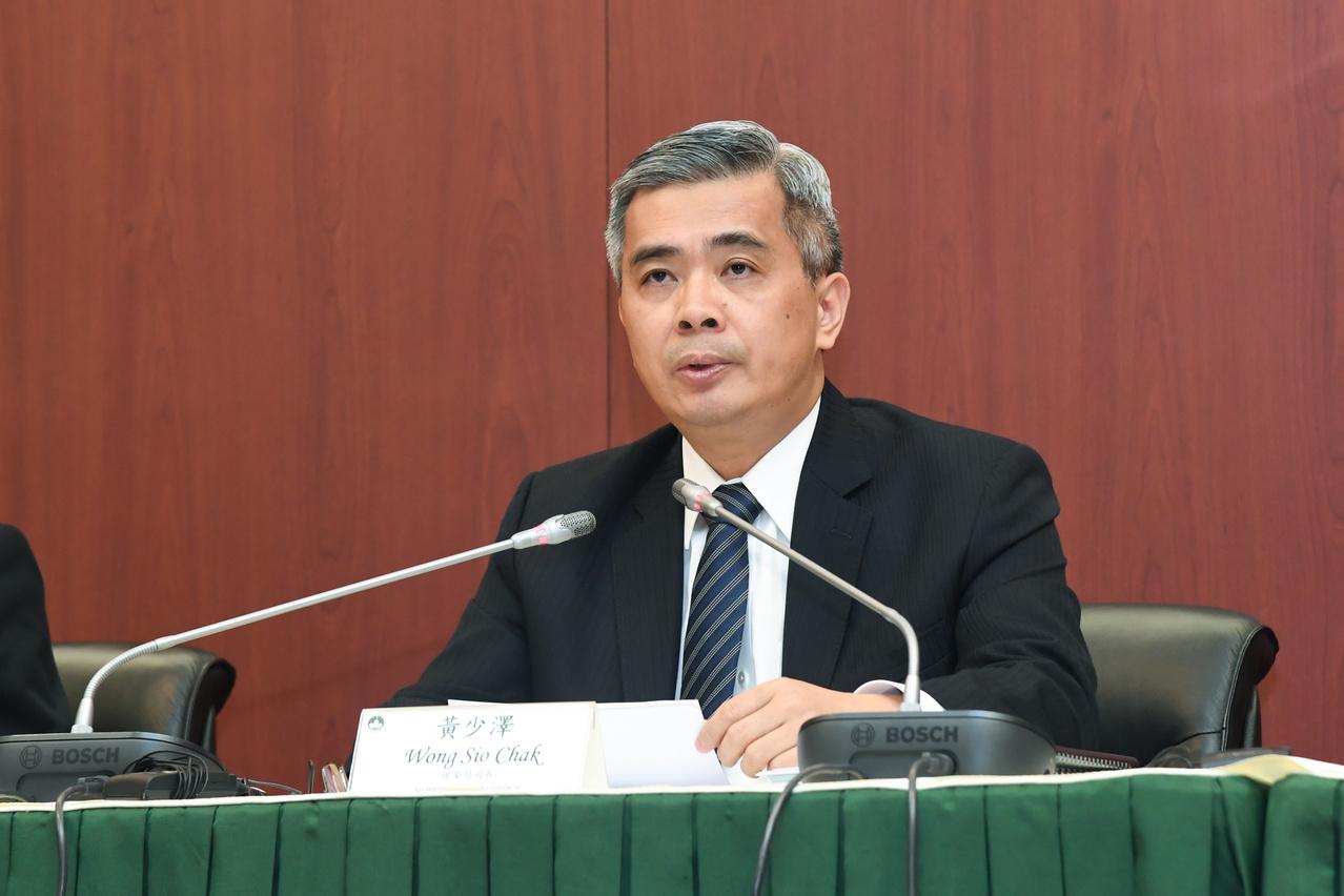 Vigília | Wong Sio Chak recusa esclarecer deputado sobre operação policial