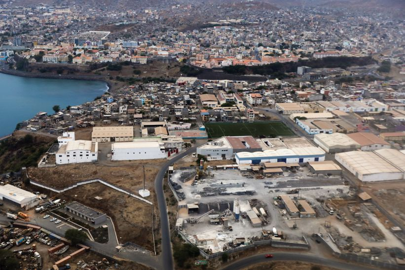 Praia, a cidade estaleiro em Cabo Verde