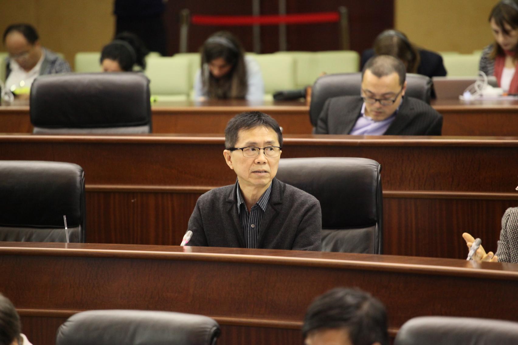 Mak Soi Kun preocupado com localização de habitação pública na avenida Wai Long
