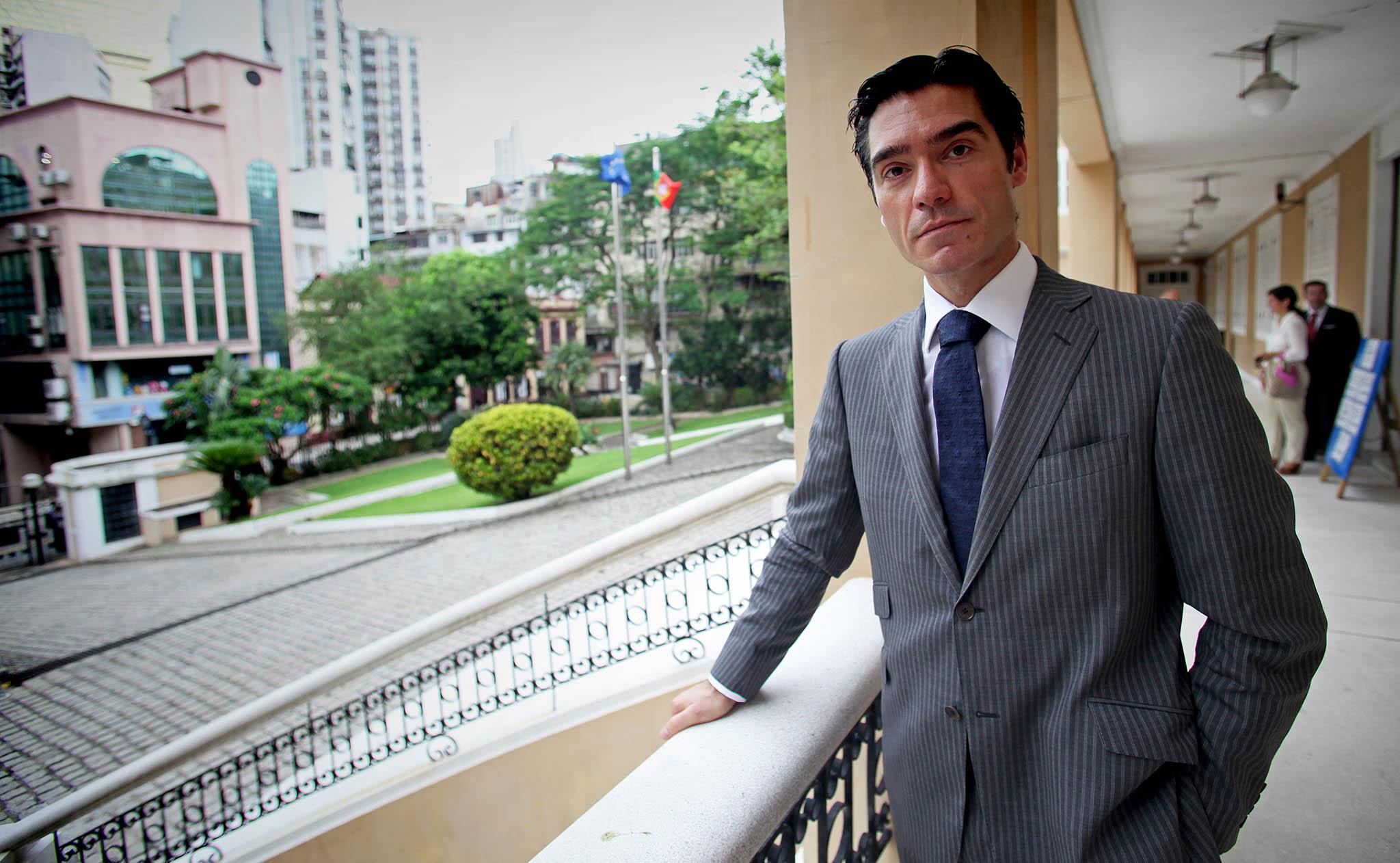 Chan Meng Kam leva Lótus de Ouro; Vítor Sereno é o primeiro diplomata luso a ser agraciado