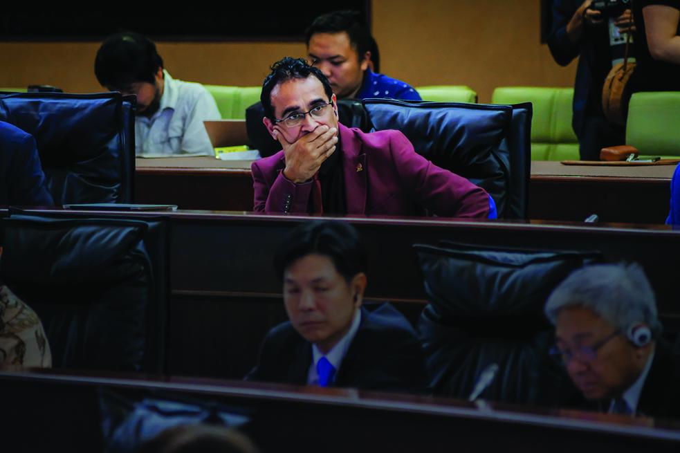 AL | Reuniões secretas dão origem a queixas de Pereira Coutinho e Sulu Sou