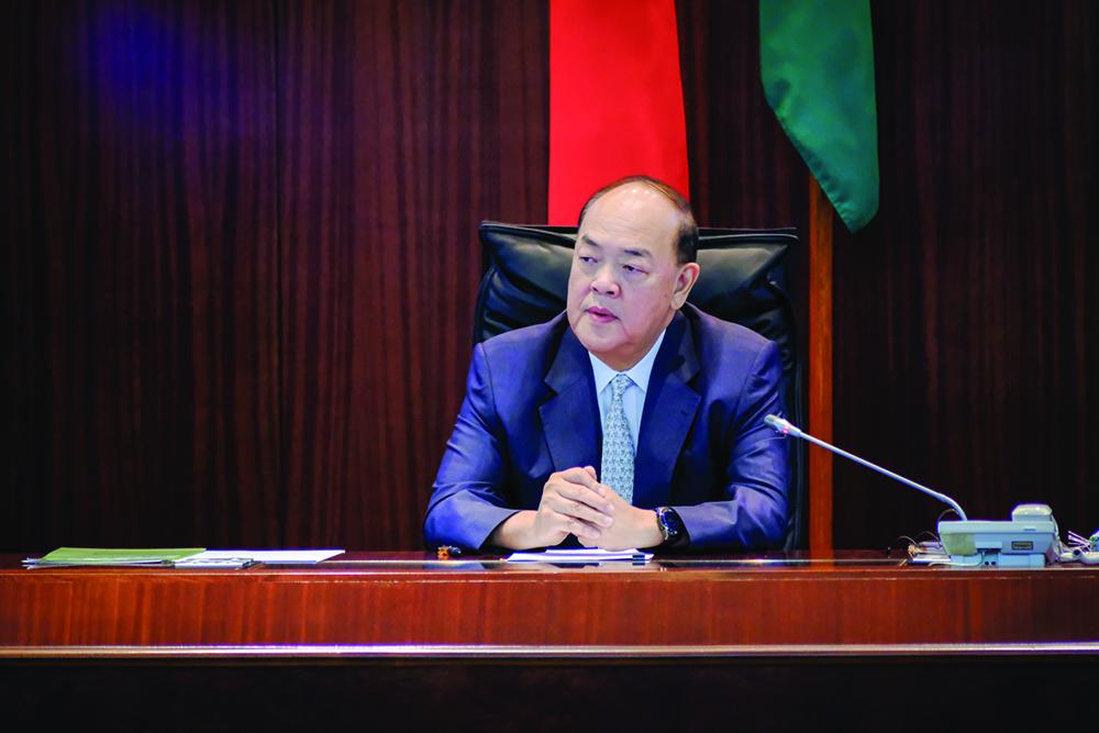 Chefe do Executivo | Coutinho revela lista de candidatura de Ho Iat Seng