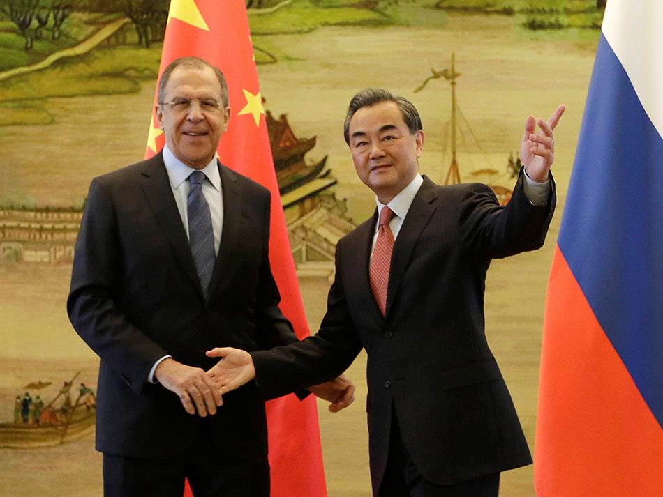 Diplomacia   Ministros da China e Rússia estreitam laços