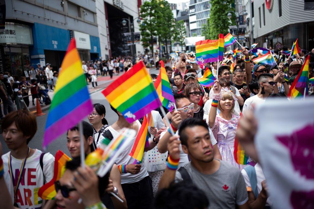 LGBT | Arco-Íris lança questionário sobre hábitos
