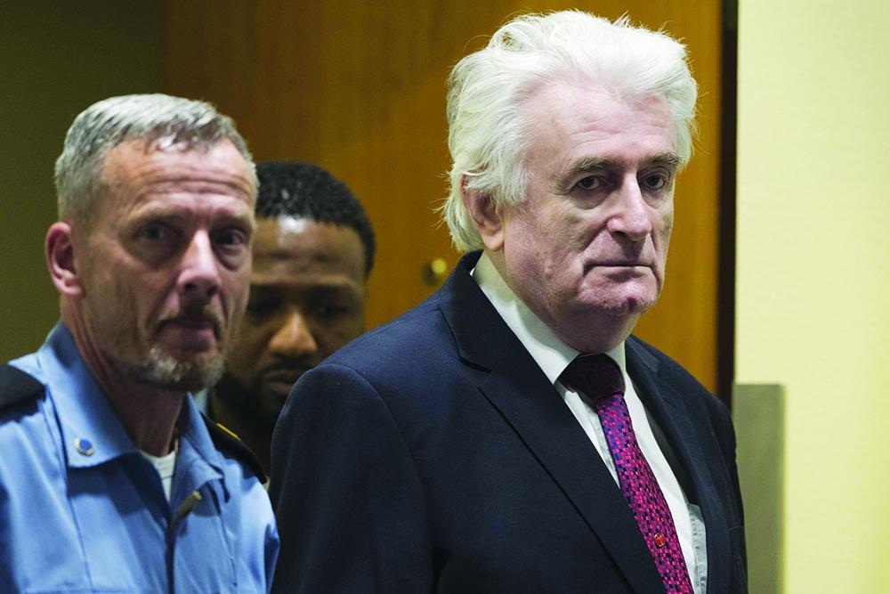 Radovan Karadzic condenado a prisão perpétua