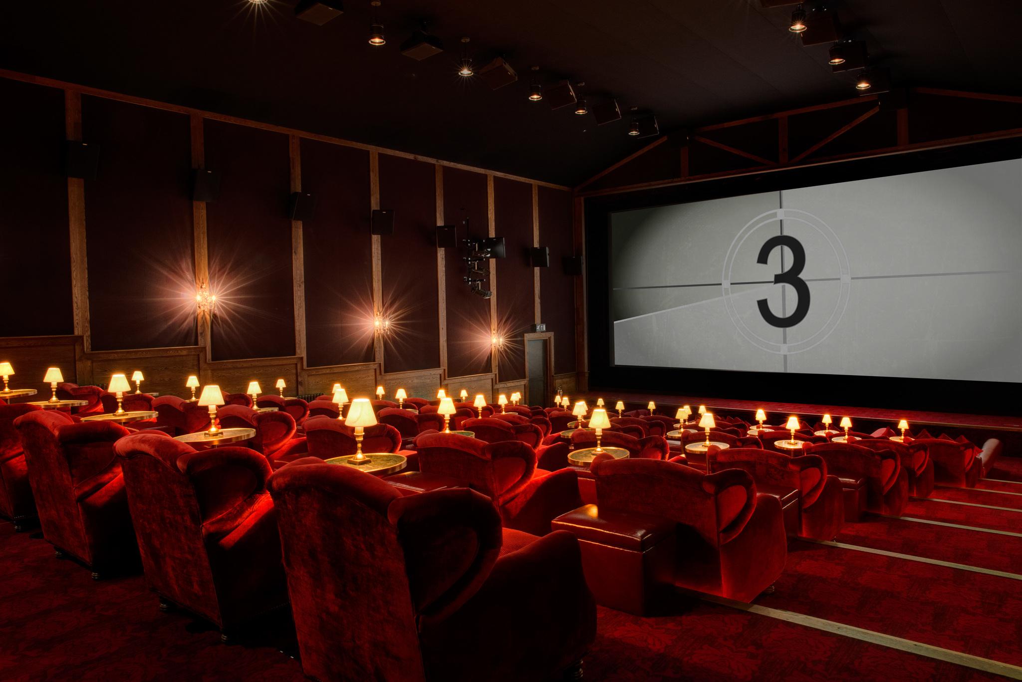 Cinema | IC desconhece pormenores sobre 'Hollywood' do Oriente