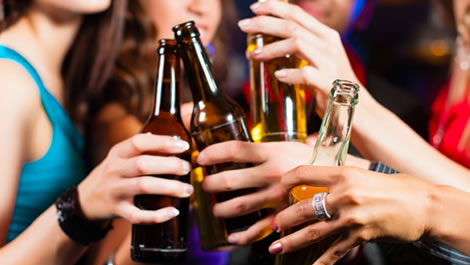Álcool | Proibição de consumo a menores de 18 anos em consulta