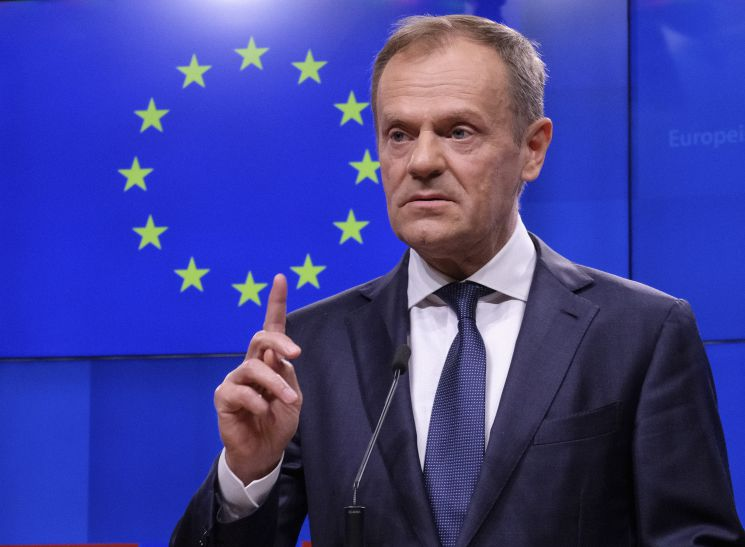 Donald Tusk não concebe cimeira UE-China sem direitos humanos na agenda