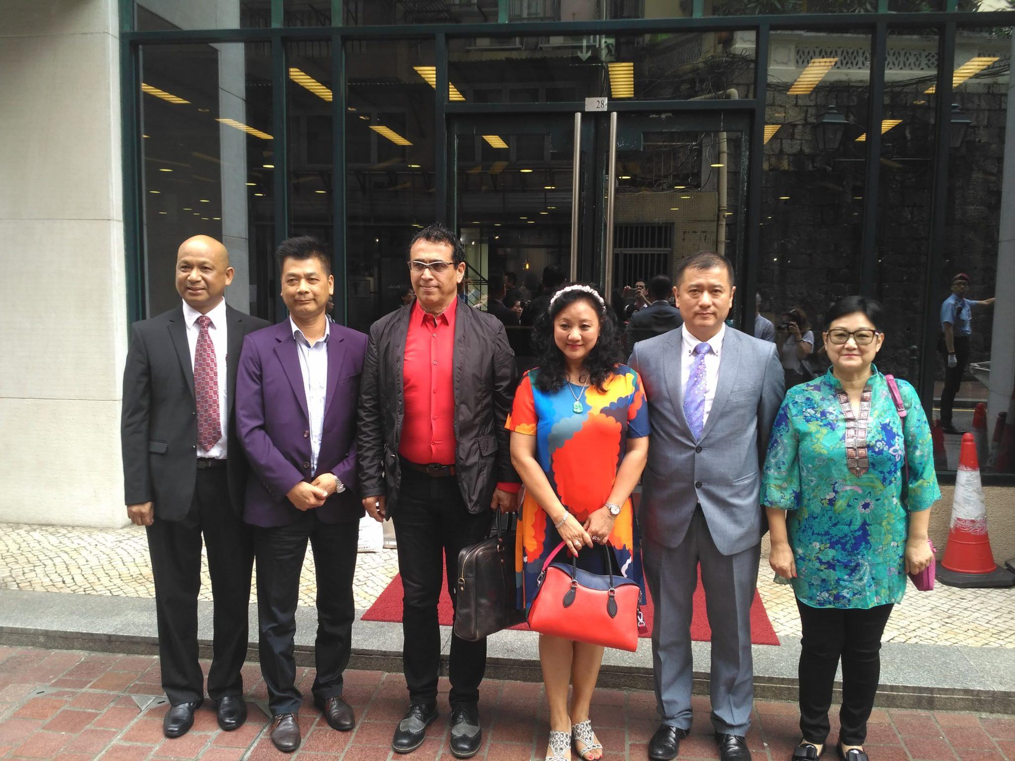 ATFPM | Contratação de médicos e tradutores marca reunião com Alexis Tam