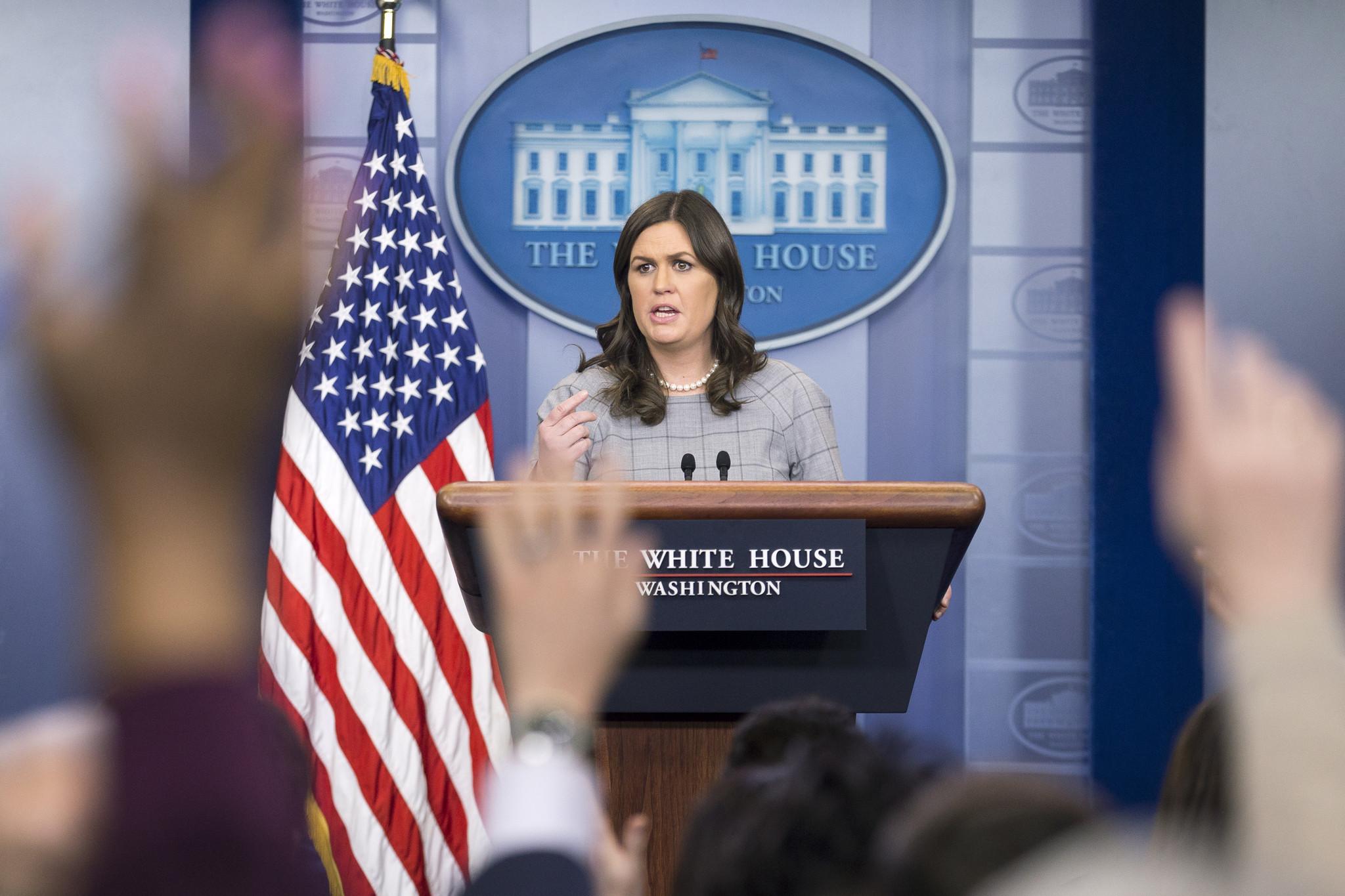 Trump anuncia saída de Sarah Sanders, porta-voz da Casa Branca
