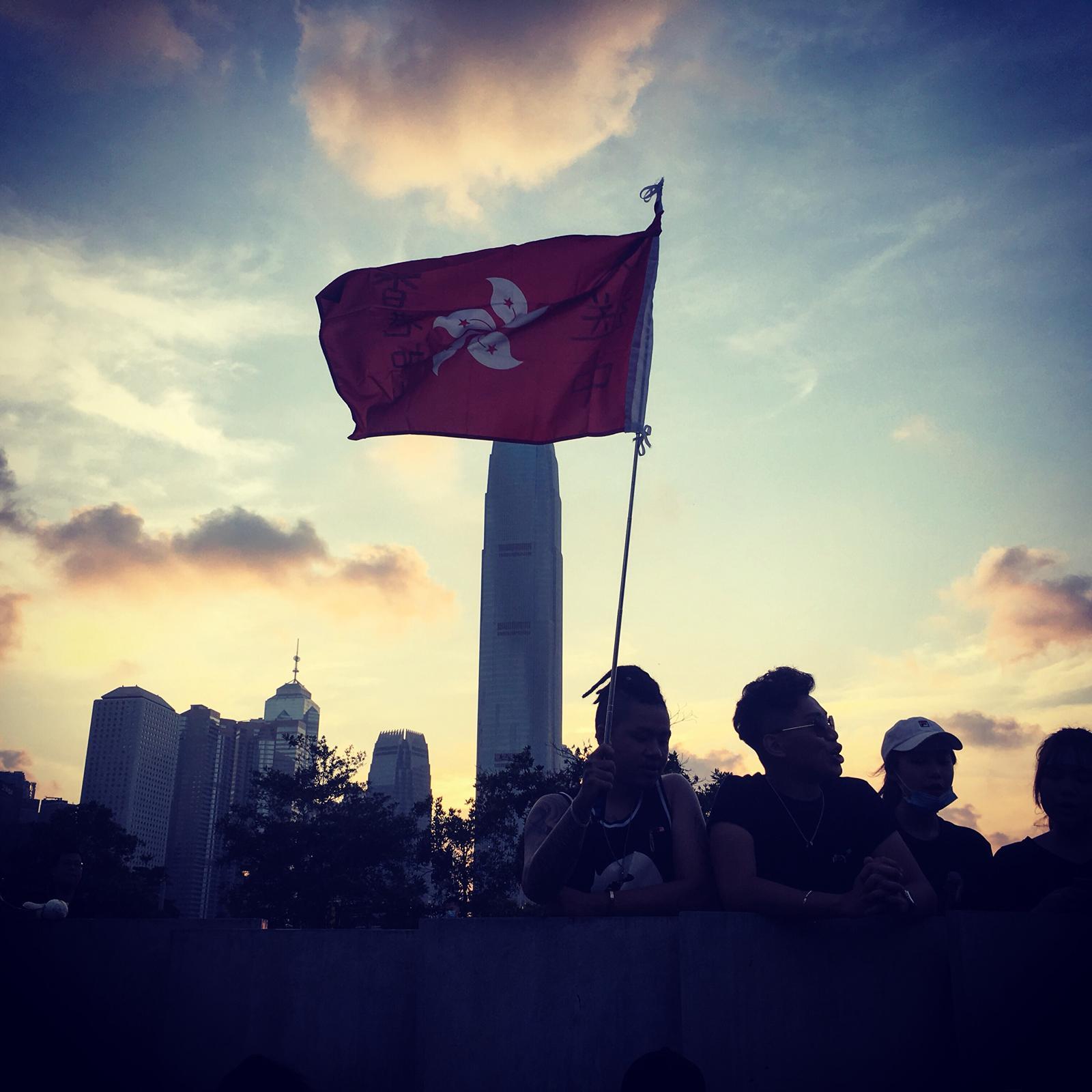 YouTube fecha canais associados a campanha de desinformação sobre Hong Kong