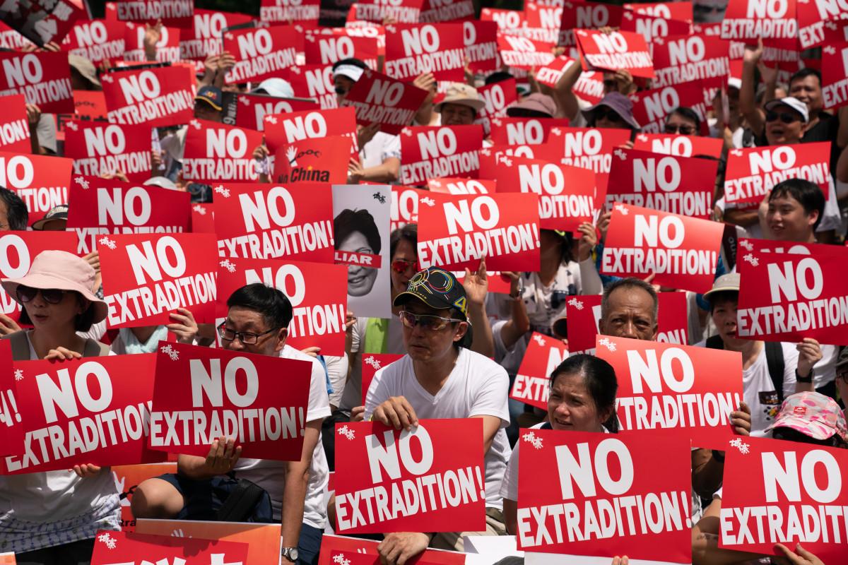 Lei de extradição continua na ordem do dia