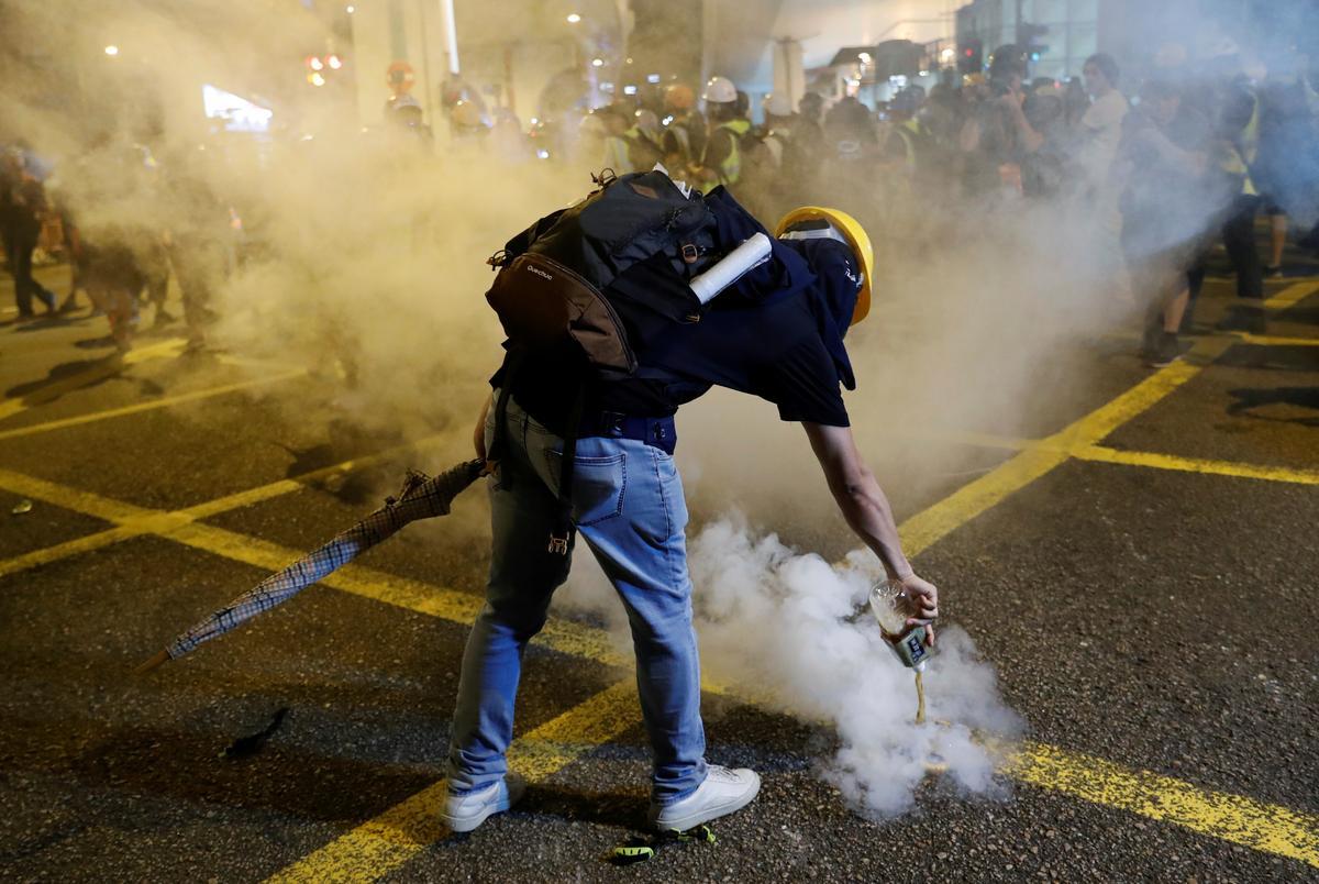 Operação policial em Hong Kong trava acção de activistas