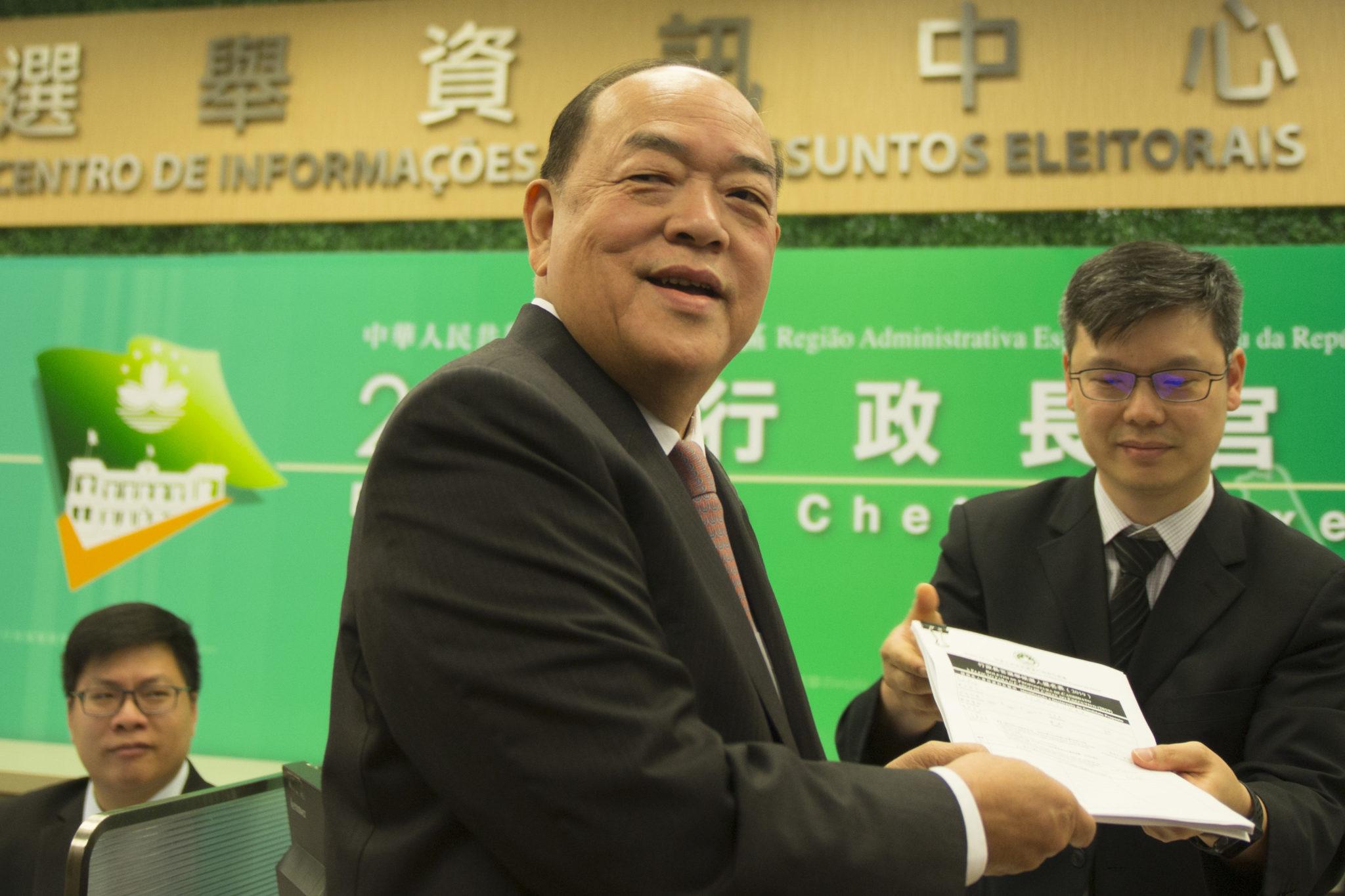 Chefe do Executivo | Chui Sai On, Governo Central e Carrie Lam parabenizam Ho Iat Seng pela vitória na eleição