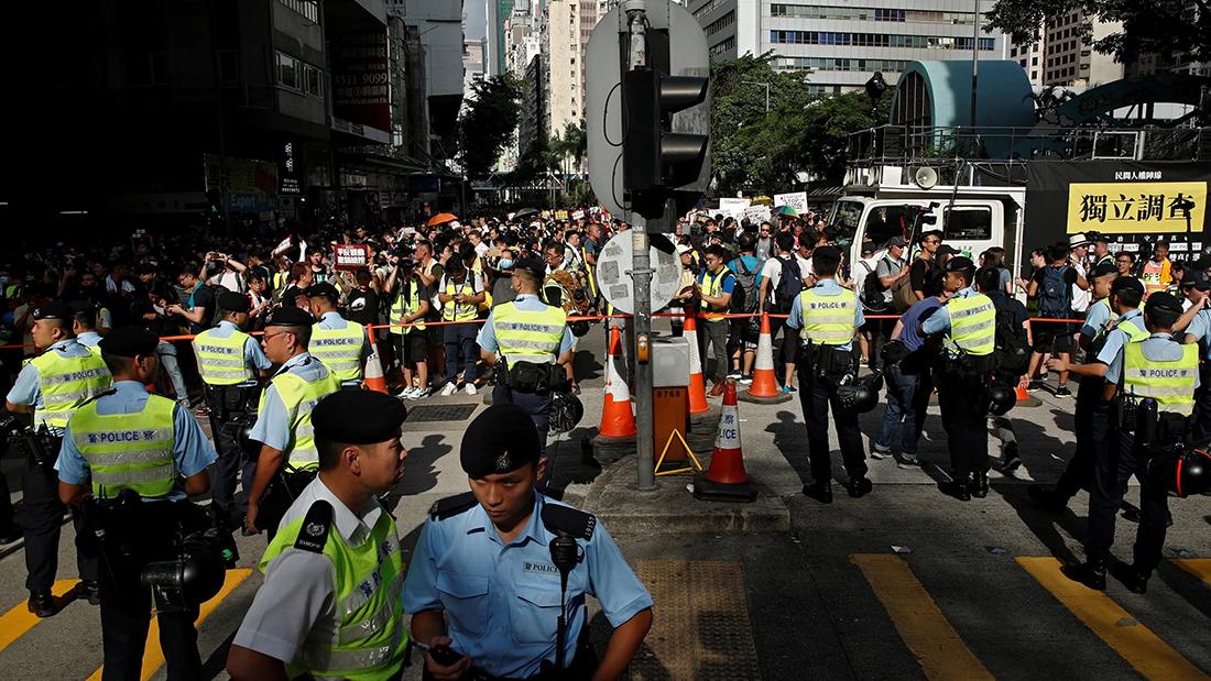Mais de 200 pessoas detidas em protestos pela polícia de Hong Kong