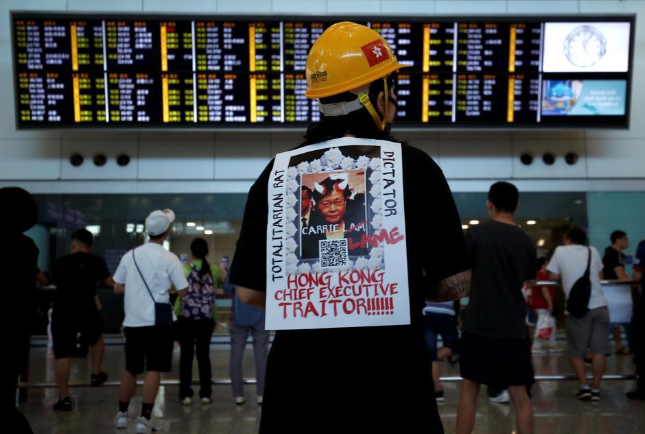 Mercadorias | Paragem de aeroporto de Hong Kong não afectou Macau