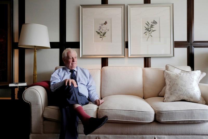 Chris Patten avisa para maior influência do PCC em Macau