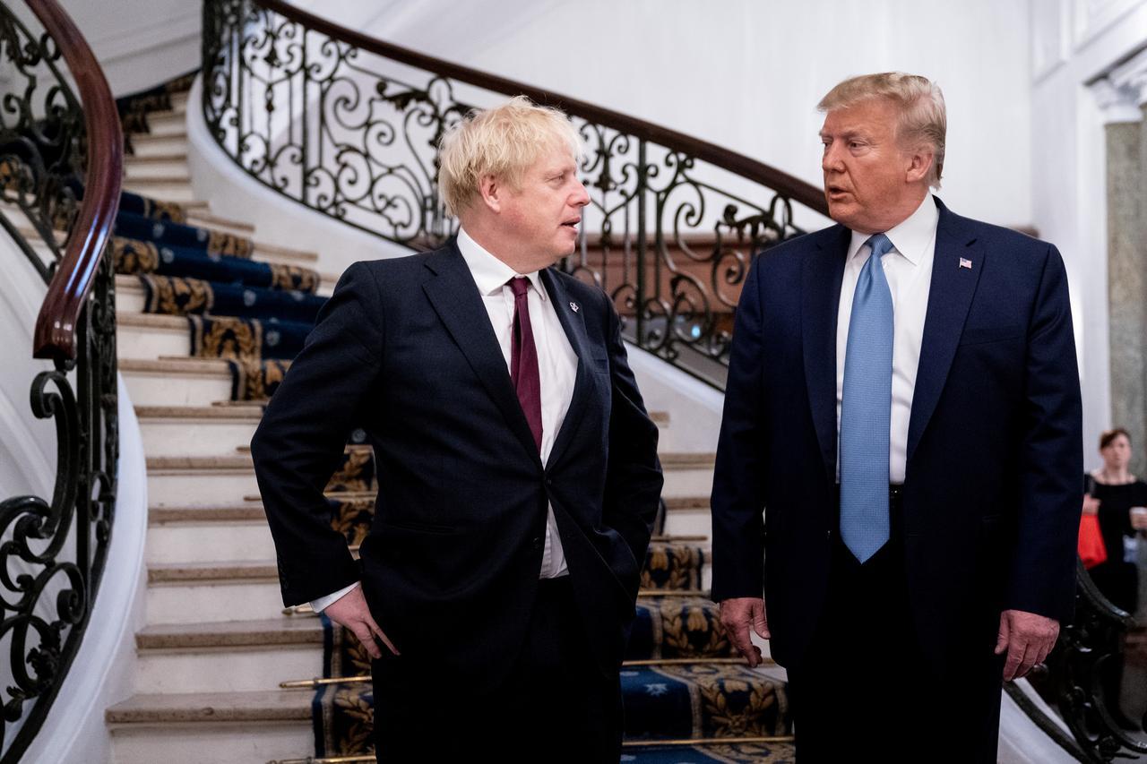 """Trump diz que Johnson é """"o homem certo"""" e promete acordo comercial rápido"""