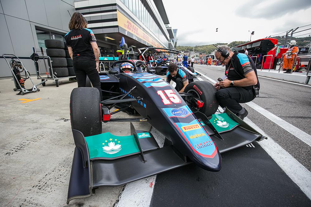 Automobilismo   Charles Leong já conduziu o novo F3 para o GP