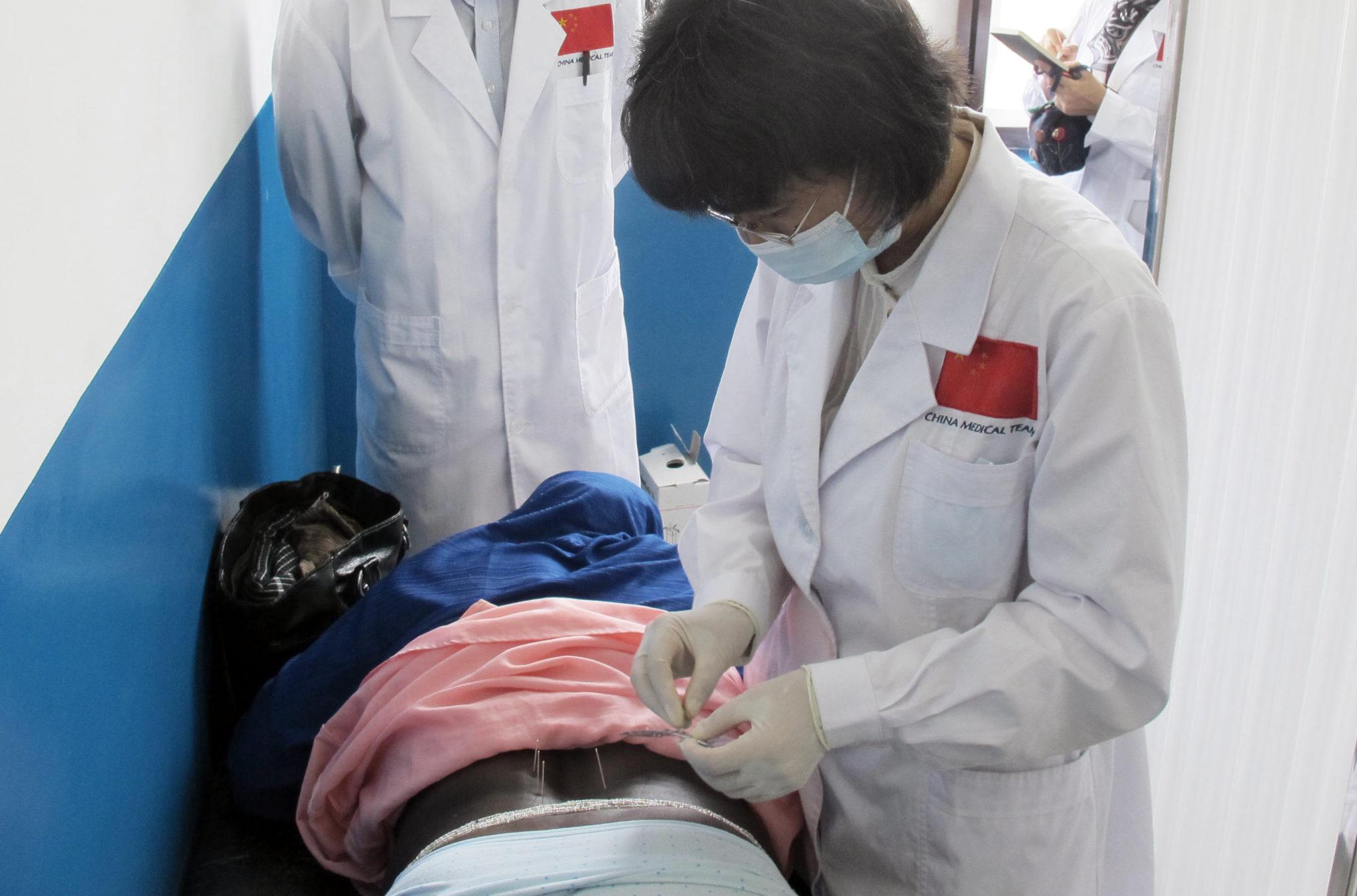 Medicina tradicional chinesa | Aprovada na generalidade lei que regula licenciamento