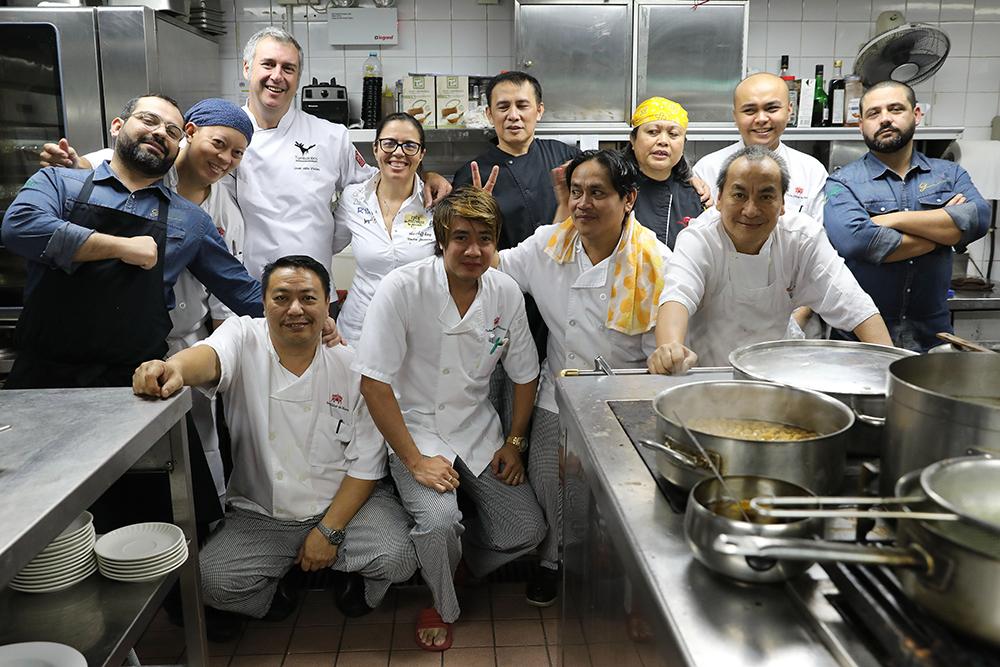 Macau/20 anos | ADN da gastronomia portuguesa em mãos filipinas