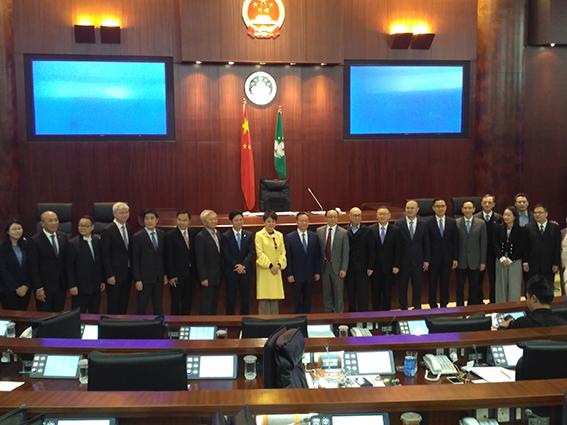 Wang Sai Man   Violação de lei eleitoral foi tabu na tomada de posse
