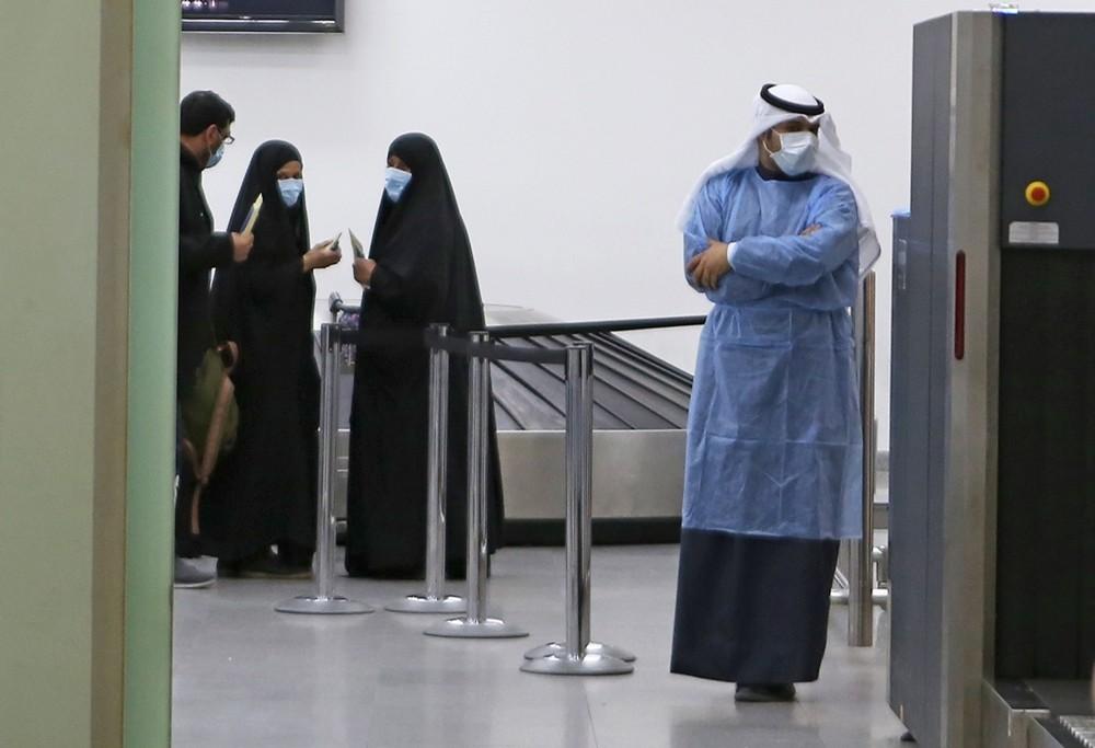 Pandemia | Irão eleva para 514 o número de mortos de entre 11.364 casos