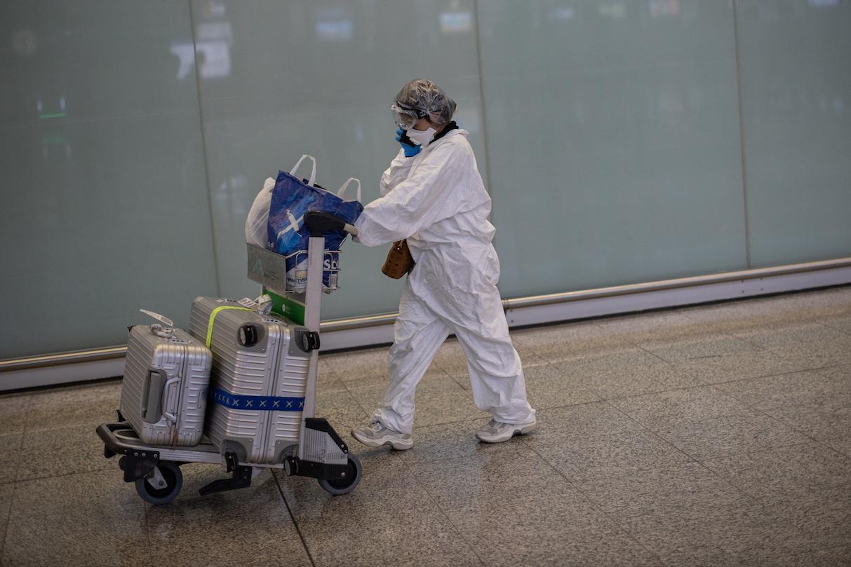 Hong Kong regista mais de 100 casos de covid-19 nas últimas 24 horas