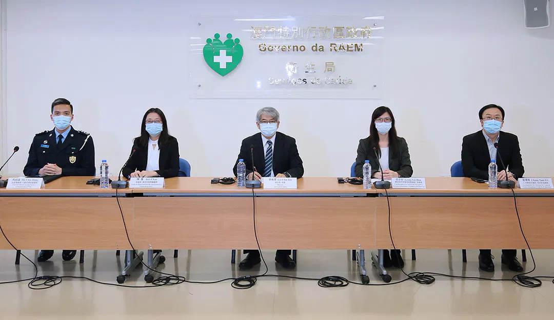 Governo impõe períodos de auto-gestão de saúde após quarentena obrigatória