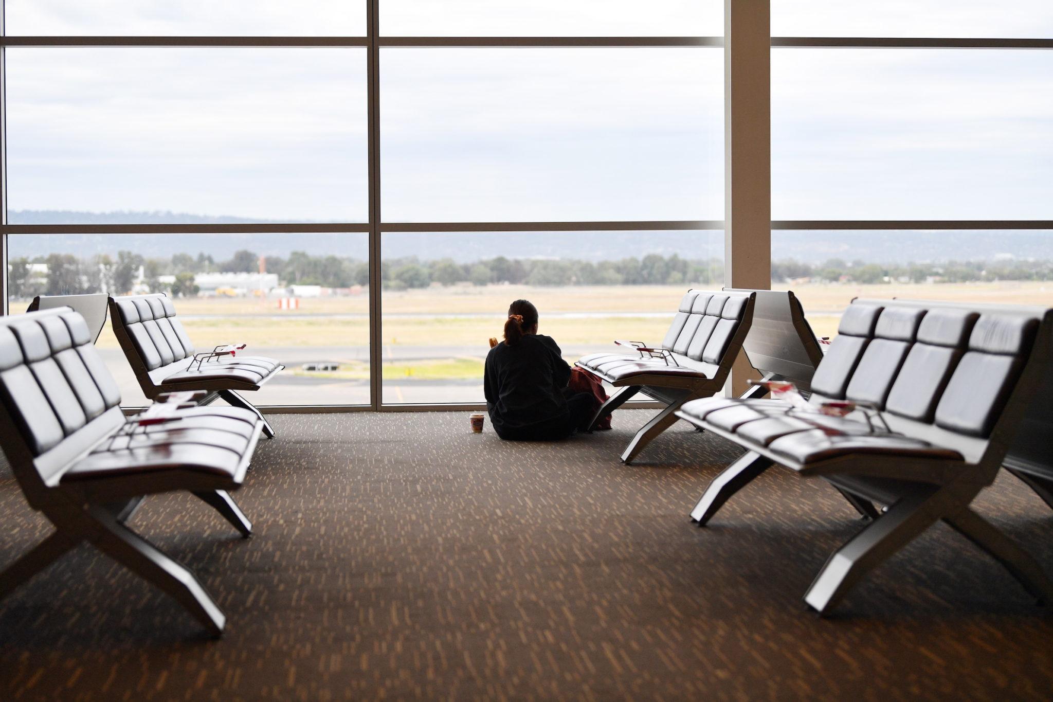 """""""Nangka"""" obriga ao cancelamento de voos e retém 60 passageiros"""