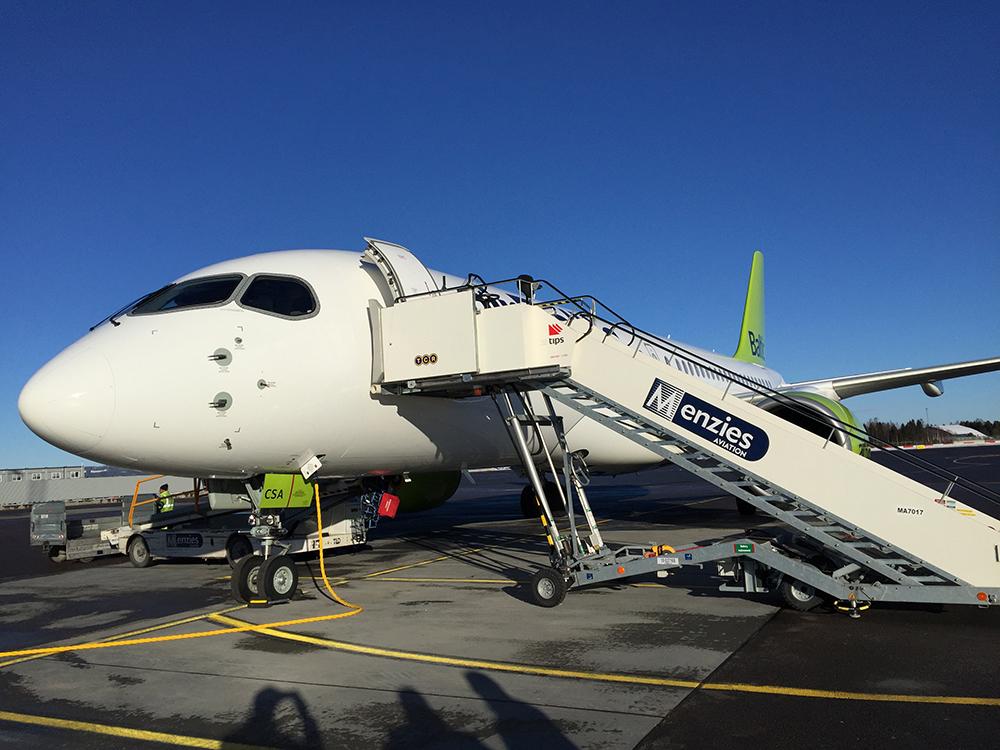 Aviação | Trabalhadores da Menzies queixam-se a Pereira Coutinho