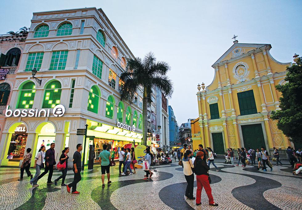 Volume de negócios no comércio a retalho em Macau cai 61,3 por cento no 2.º trimestre