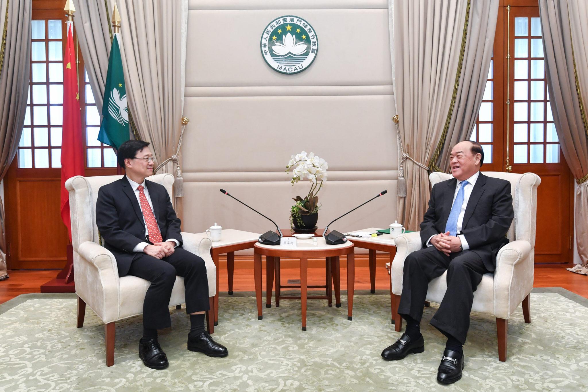 Segurança nacional   Ho Iat Seng reuniu com secretário de Hong Kong
