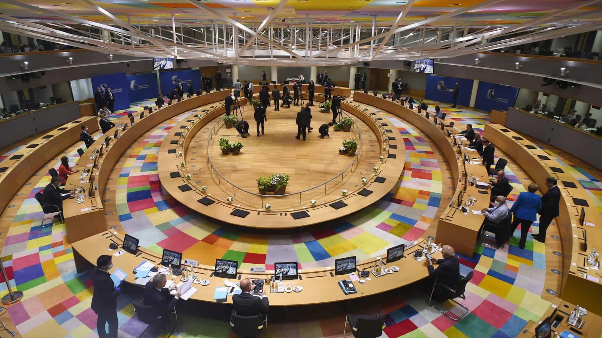 UE | Líderes partem para terceiro dia de Conselho Europeu ainda longe de acordo