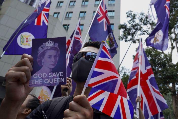 Hong Kong   Pequim lança ameaças face a decisão britânica de facilitar imigração