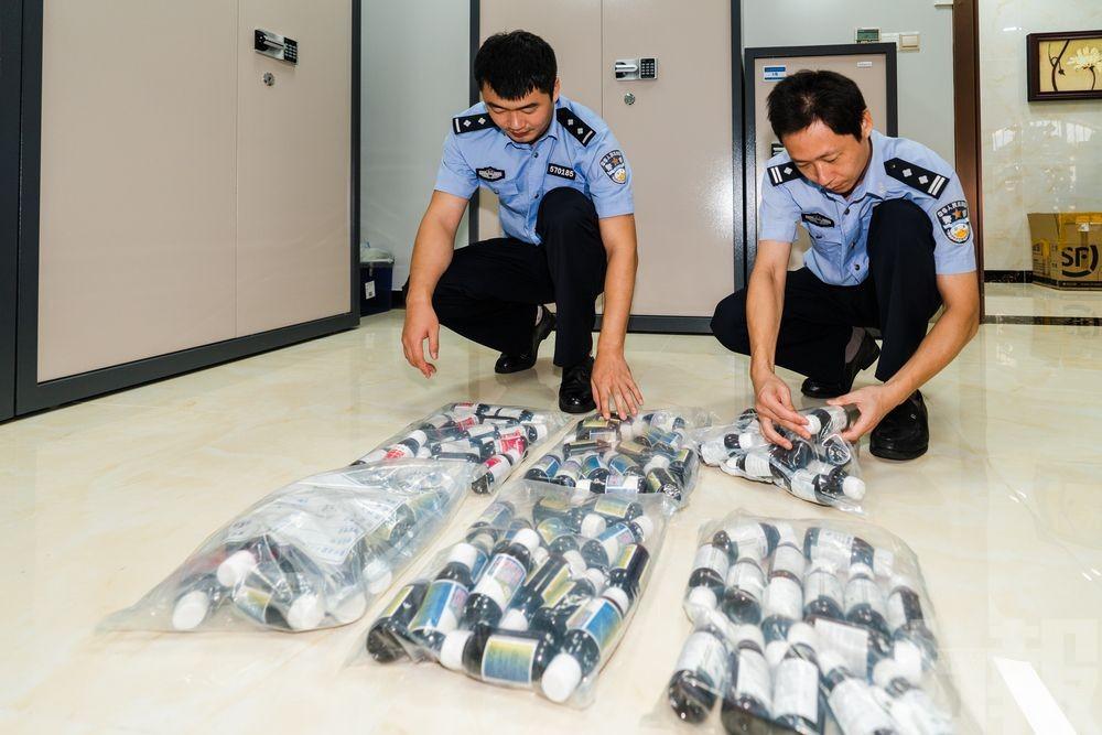 Xaropes com opiáceos traficados de Macau podem resultar de fronteiras fechadas