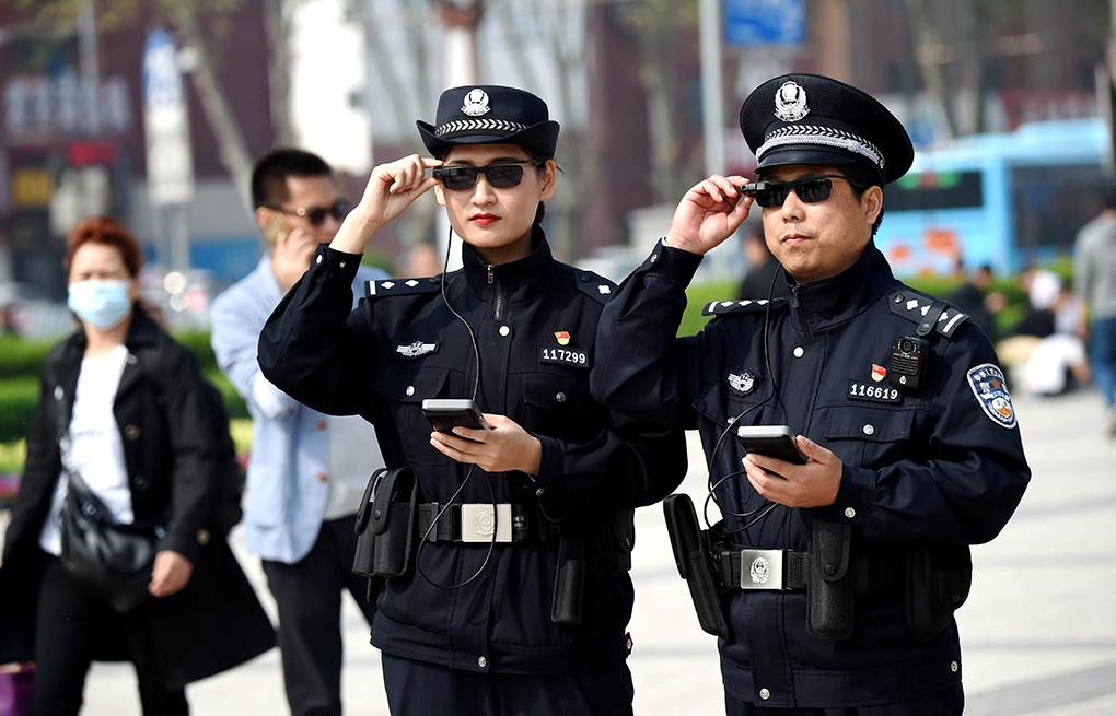 Shenzhen   Advogado pressionado para abandonar caso de jovens detidos