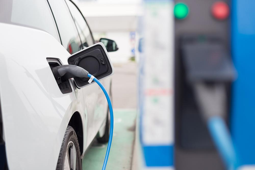 Carregamento de veículos eléctricos vai passar a ser pago