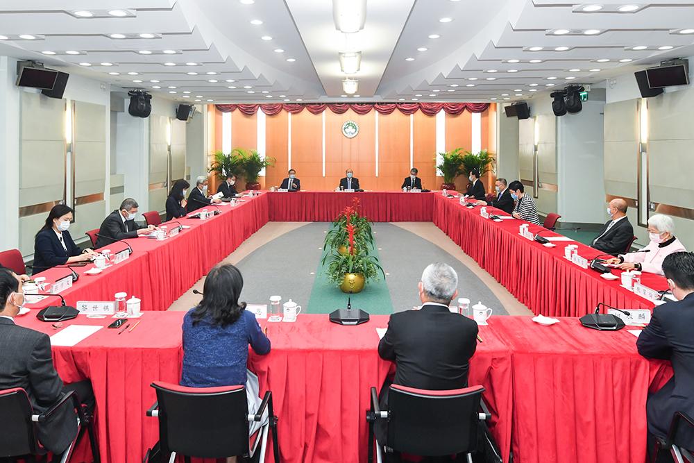 LAG | Diversificação discutida entre Ho Iat Seng e membros de Macau à APN
