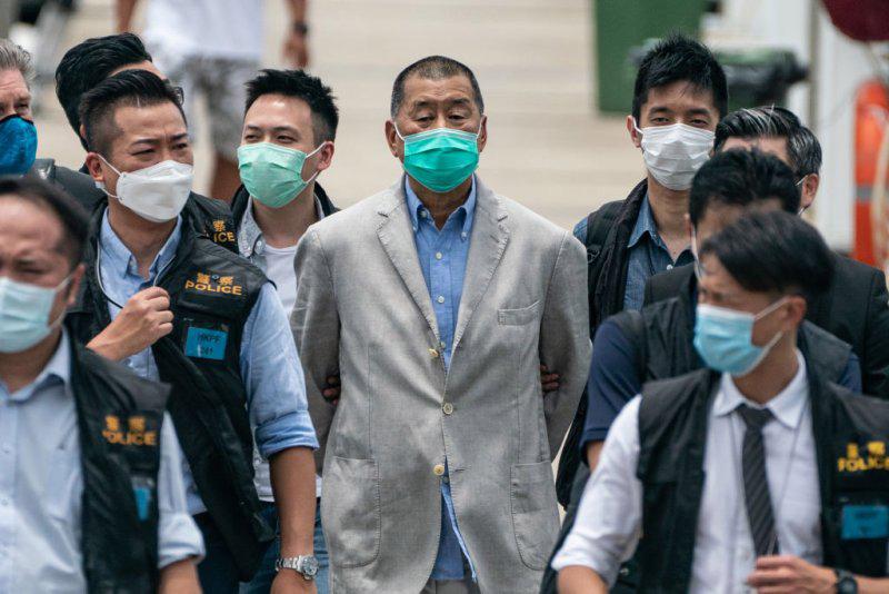 Hong Kong | Negada fiança a Jimmy Lai após conhecer acusação judicial