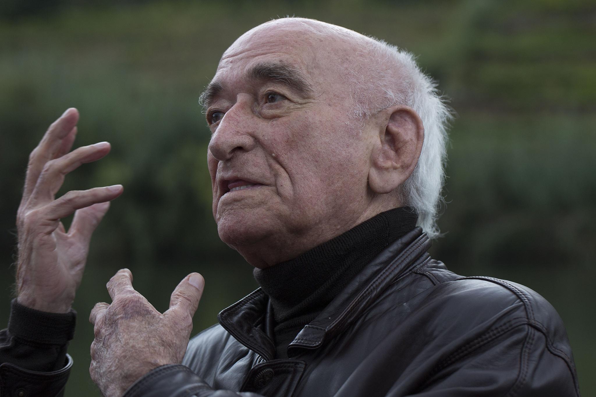 Morreu Cruzeiro Seixas, um dos últimos surrealistas portugueses