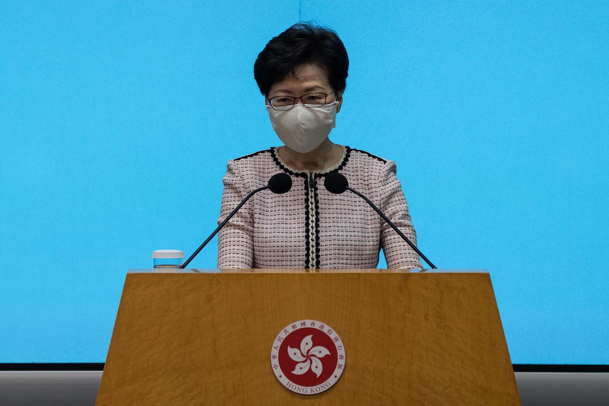 Covid-19 | Hong Kong vai gastar 120 mil milhões de dólares em apoios
