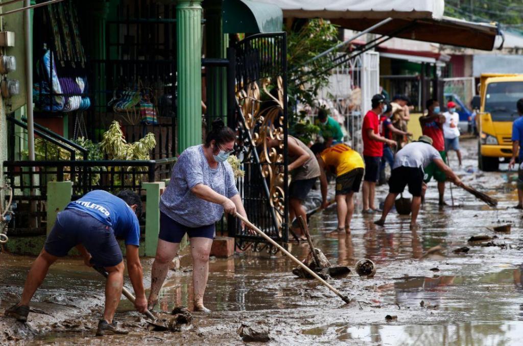Sobe para 20 número de mortos nas Filipinas na sequência do tufão Goni