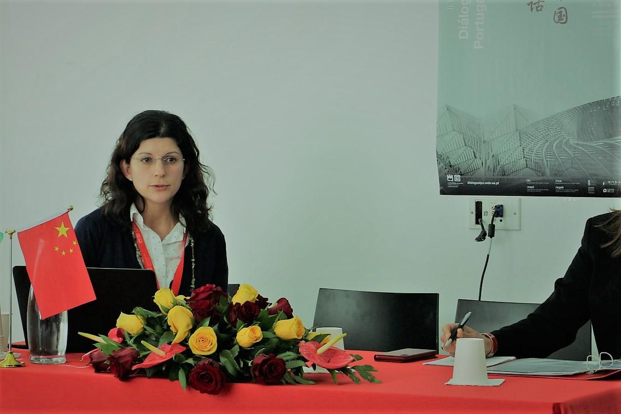 """Anabela Santiago, doutoranda da Universidade de Aveiro: """"Relação da China com OMS não sairá abalada"""""""